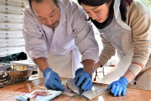 与謝荘で味わう伊根の地魚刺身作り体験