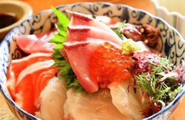 人気No.1 お食事処 油屋の海鮮丼